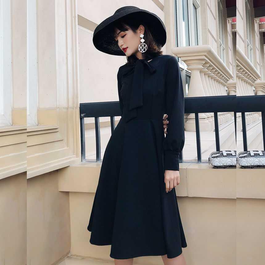 2020年新款春秋冬款女装时尚气质红色黑色中长款连衣裙子打底长裙