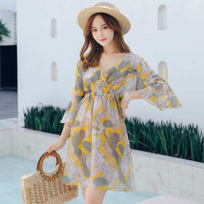 Waist connected oversized floral oversized swimsuit womens slim cover belly conservative oversized XXXL can be worn short.