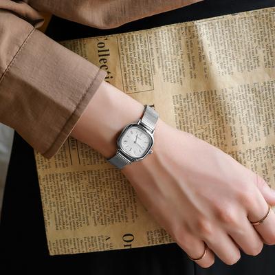 复古手表女小众轻奢女士名牌正品女款简约气质2021年新款夏季防水