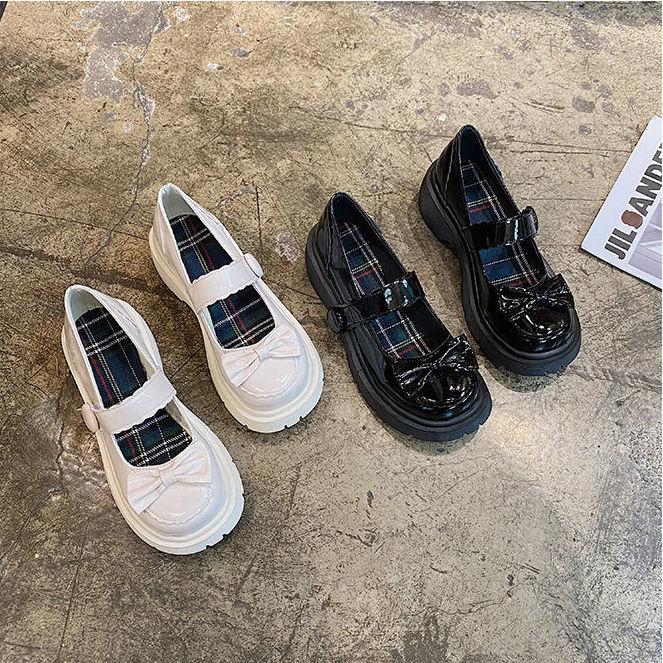女款早秋鞋配裙子韩版白色大头娃娃鞋仙女单鞋复古洛丽塔可爱英伦