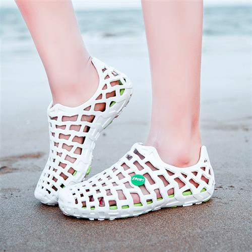 Mens and womens summer hole slippers with heel sandals driving shoes waterproof and breathable summer sandals slippers damp