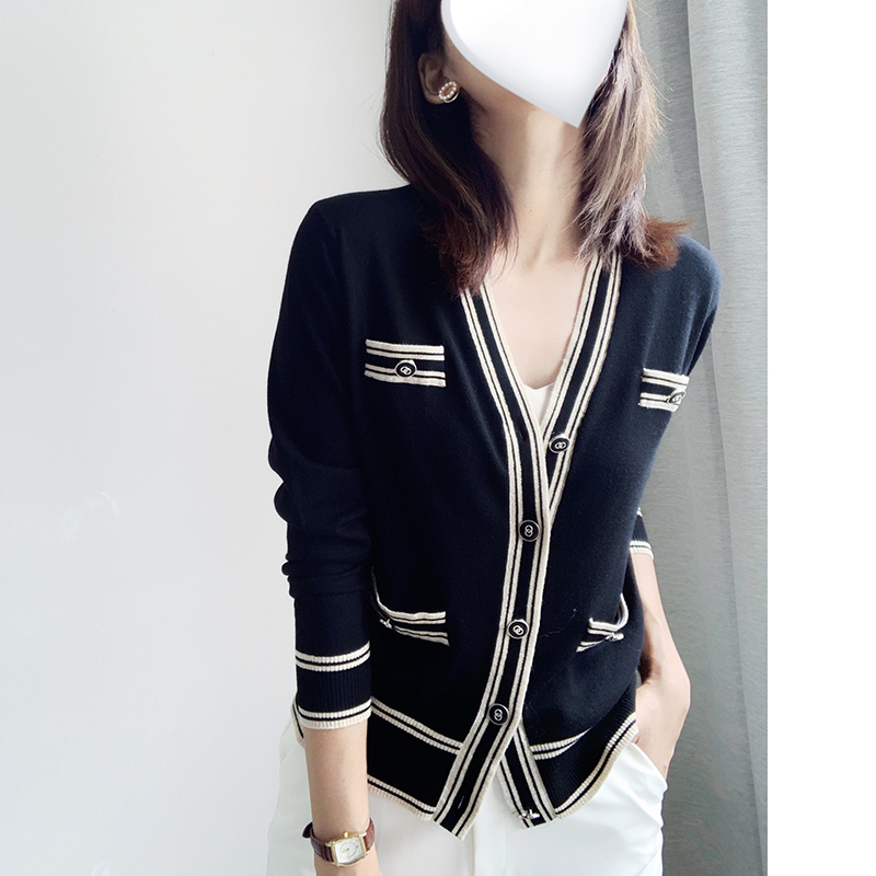 Spring and summer thin cardigan coat womens short wool loose small fragrance wear new thin metal button sweater