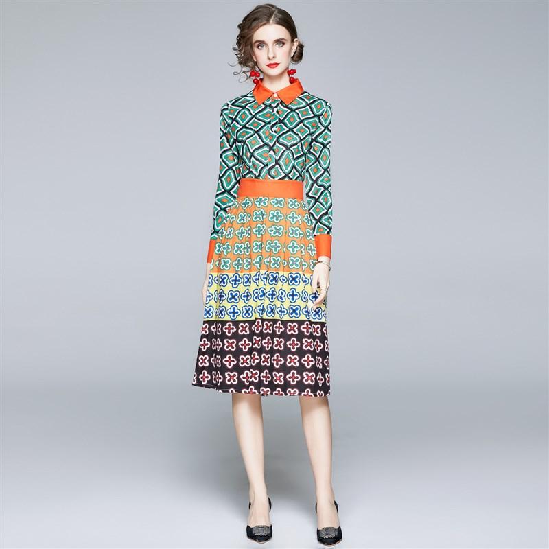 Jiang Shuying star model year dress autumn harvest 2020 with new Lapel geometric pattern V waist Vintage shirt