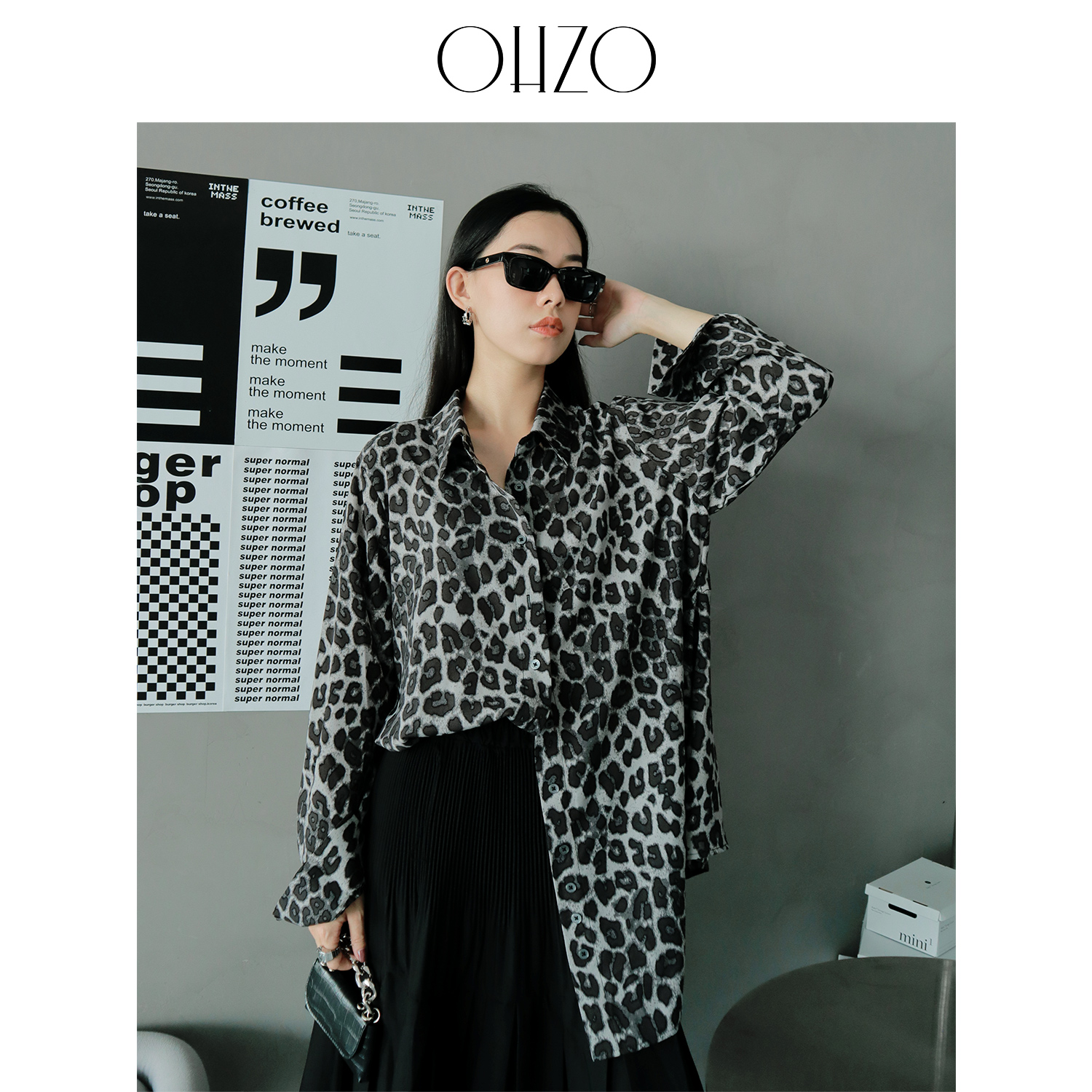 Ohzo leopard print foreign style French V-neck shirt womens middle and long early autumn new loose design sense niche long sleeve top