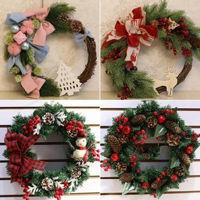 。圣诞装饰办公室藤条圣诞树用品卧室店庆花环室内圣诞节装饰品。