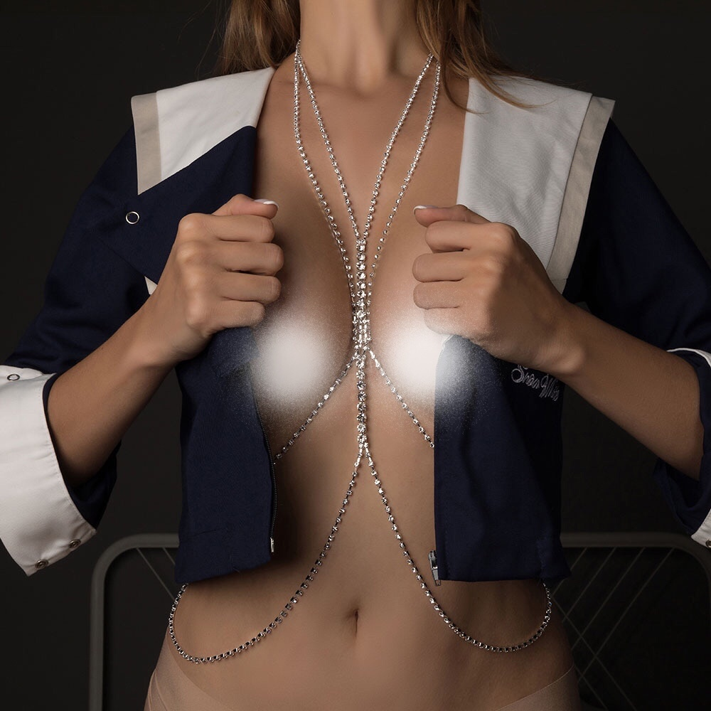 European and American fashion new water diamond body chain chest chain sexy simple flash diamond bikini chest accessories beach accessories womens fashion
