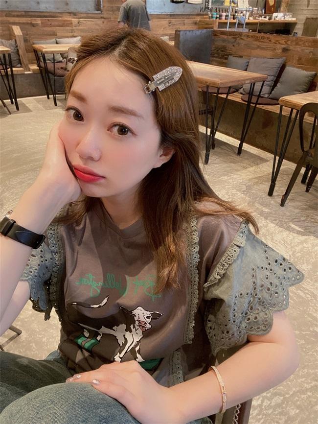 韩国 波拉家东大门高级定制夏  减龄小牛青灰色钩花飞飞袖圆领t恤