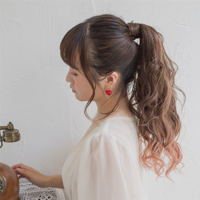 。 New brightlele Japanese fashion wig ponytail hand rolled fluffy bundled ponytail gradient ponytail braid