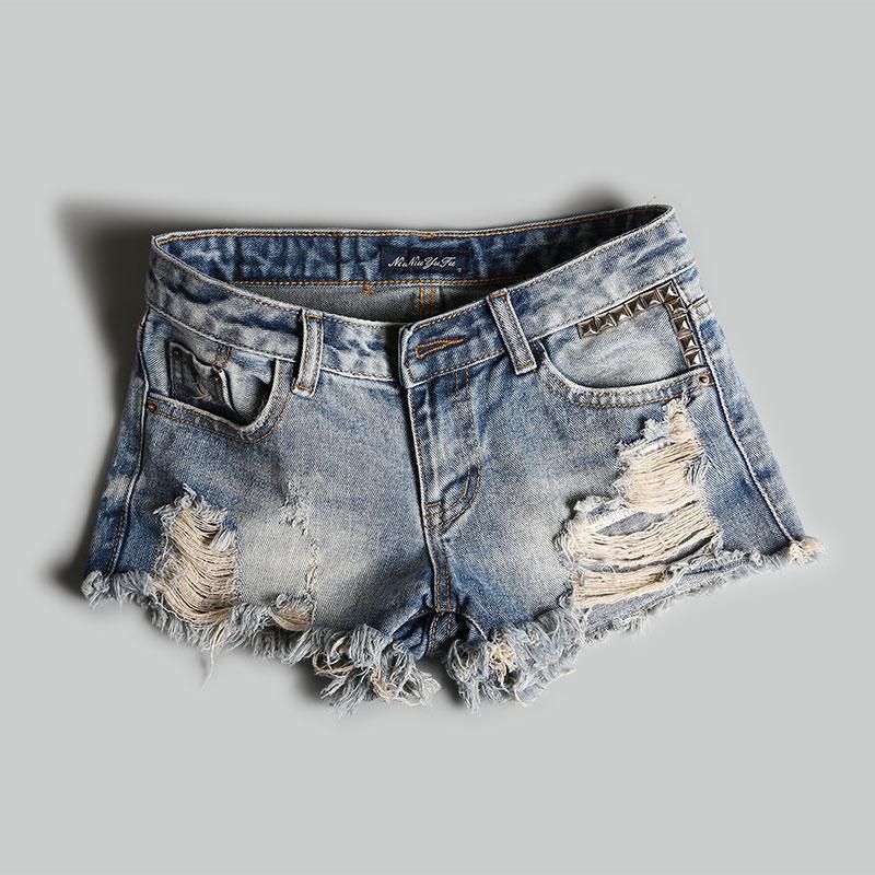 2021 summer new Korean low waist denim shorts womens nostalgic color rivets worn holes wide feet rough hem hot pants trend