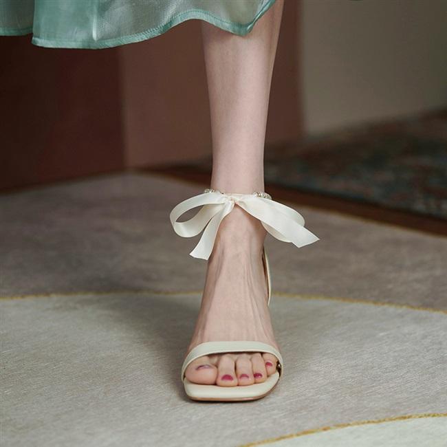 ycf 压轴款!丝带蝴蝶结珍珠凉鞋女夏2021新款粗跟方头露趾高跟鞋