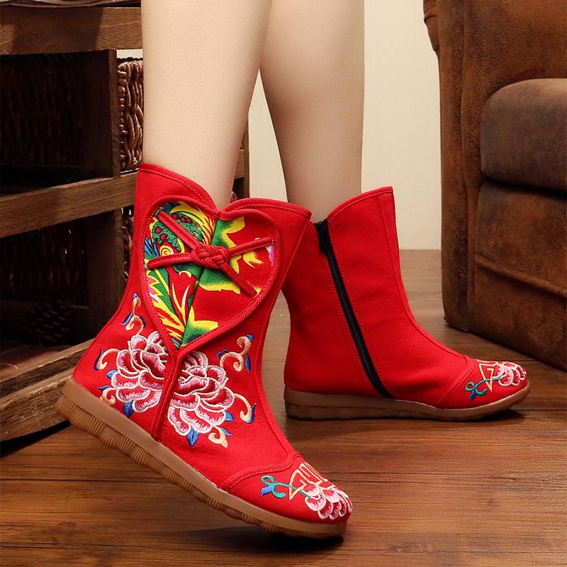 2018秋冬新款民族风绣花靴牛津底拼布装饰防滑 低跟布靴女单靴