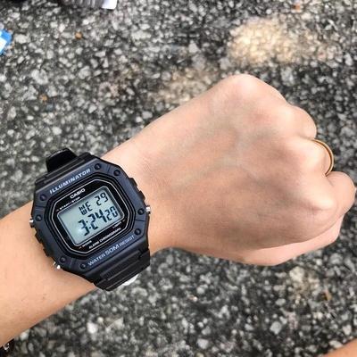 Casio卡西欧经典休闲运动防水数显方块学生手表W-218H-1A/3A/4B2