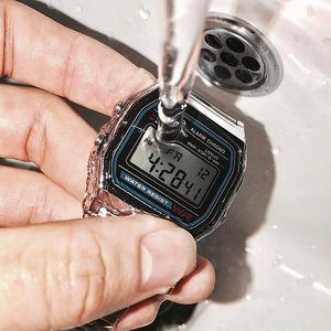 【电池用七年】卡西欧复古方块电子表