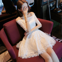 Women's wear The new spring dress of 2019 The French mini dress with white lace shoulder is very beautiful in summer