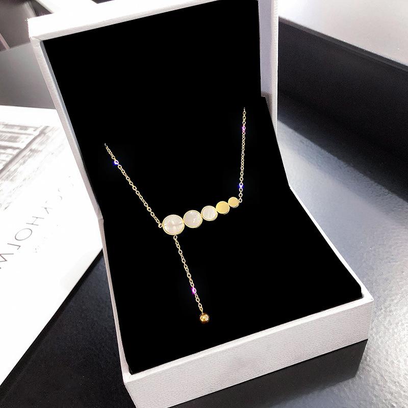韩国时尚贝母钛钢项链女小众设计感潮网红锁骨链简约气质几何颈链