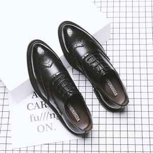商务正装皮鞋男夏季透气休闲布洛克男鞋韩版英伦软底结婚新郎鞋子