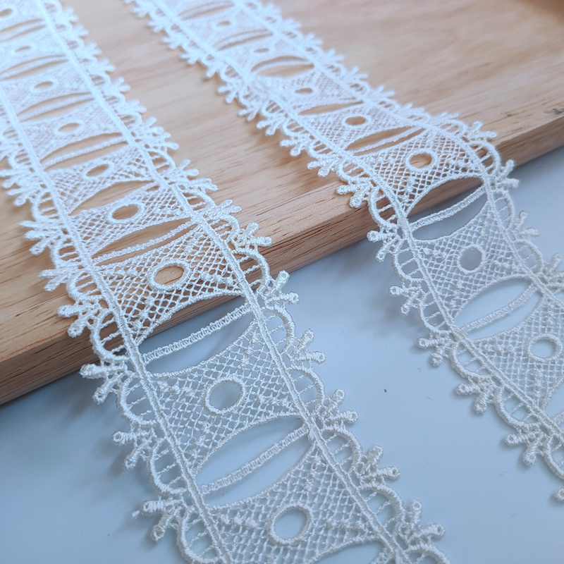 Exquisite lace polyester water-soluble lace Beige Lolita perforated ribbon garment accessories width 4.3cm