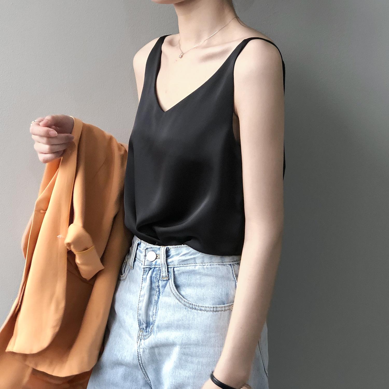 Sexy Satin bottom suspender vest womens V-neck silk looks thin with new summer sleeveless top