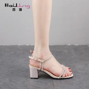 百翎2021夏季新款一字带凉鞋女仙女风粗跟水钻中跟时装小码女鞋子