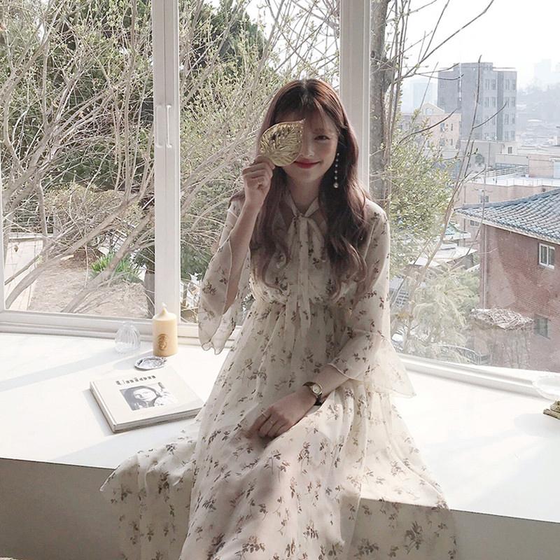 不包邮温柔风少女初恋裙2019夏季新款韩国V领喇叭袖碎花雪纺连衣裙长裙