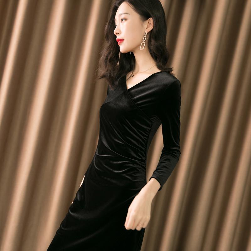 长裙女春秋丝绒连衣裙2020新款黑色V领长袖修身显瘦气质小黑裙子