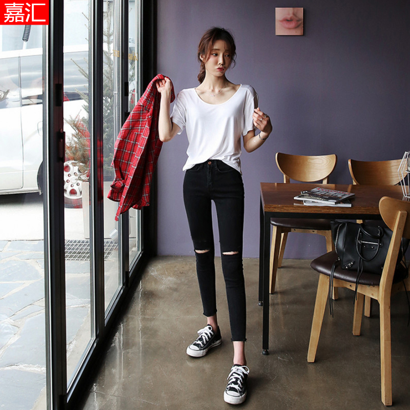 Women's black jeans with holes, high waist and small feet, pencil tight in 2020 summer, new style is thin and elastic