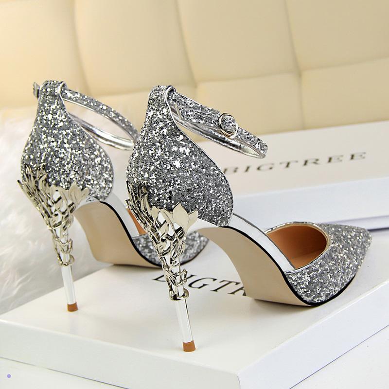 金属细钢跟超细跟高跟鞋一字扣女百搭时尚李溪芮同款银色凉鞋婚鞋