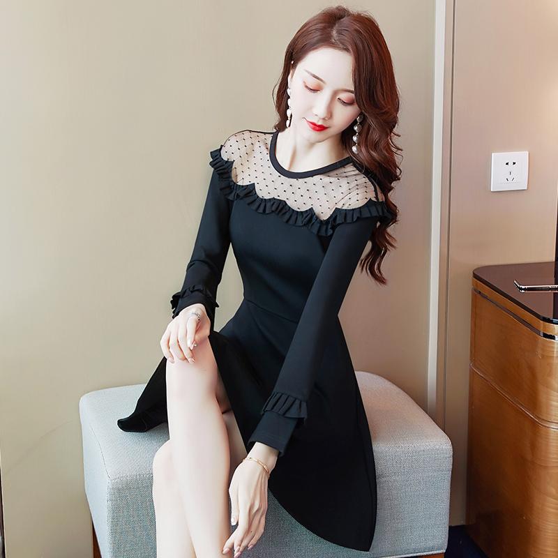 188.00元包邮黑色蕾丝长袖连衣裙春秋小个子短款气质女人味复古收腰打底小黑裙