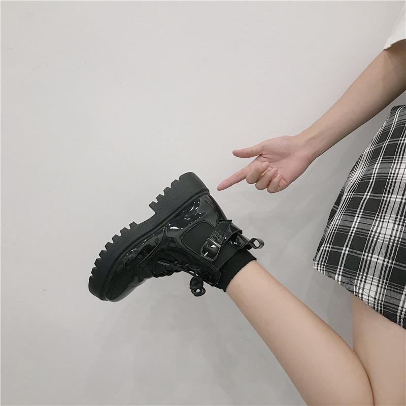 短靴女单靴英伦风靴子女2019春款百搭杨幂同款机车黑色马丁靴2020
