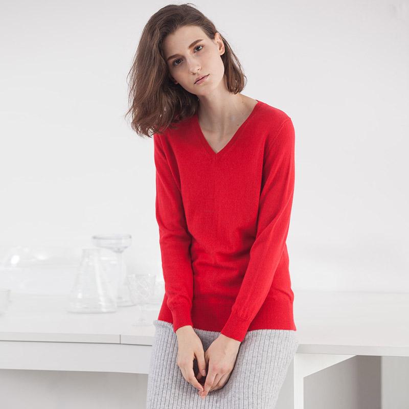 雪莲 秋冬新款V领羊绒衫纯色百搭欧美套头毛衣修身加厚打底针织衫
