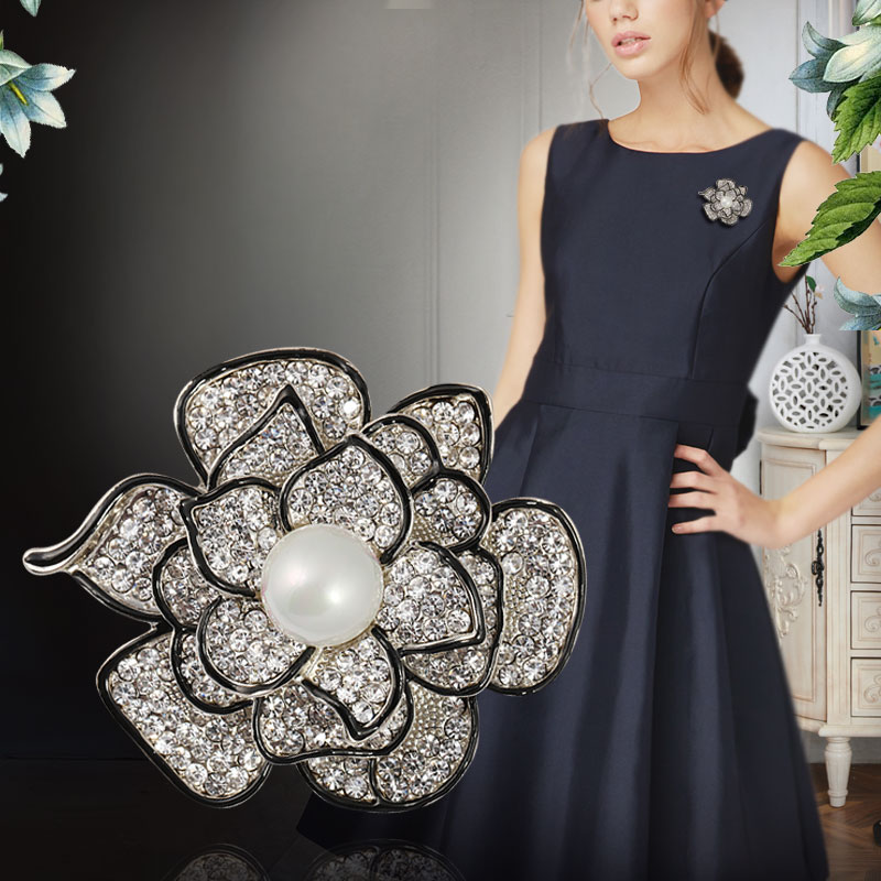 2021新款女士胸针韩国简约时尚花朵胸花奢华大气外套别针植物扣针