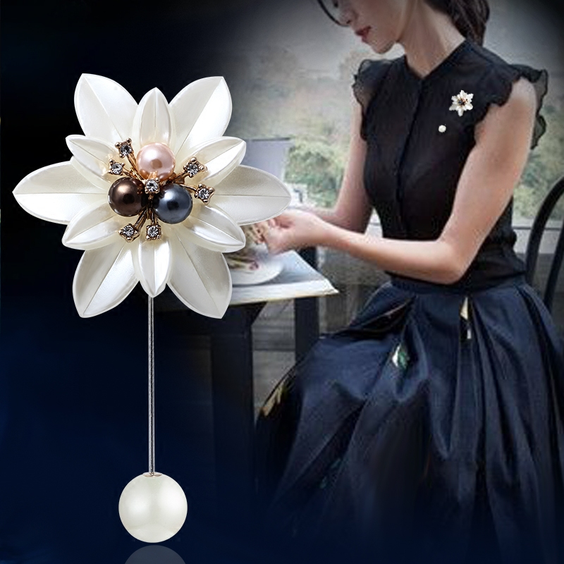 Korean high-end mothers Day gift Brooch simple 100 matching accessories pin pin pin elegant and atmospheric Brooch woman