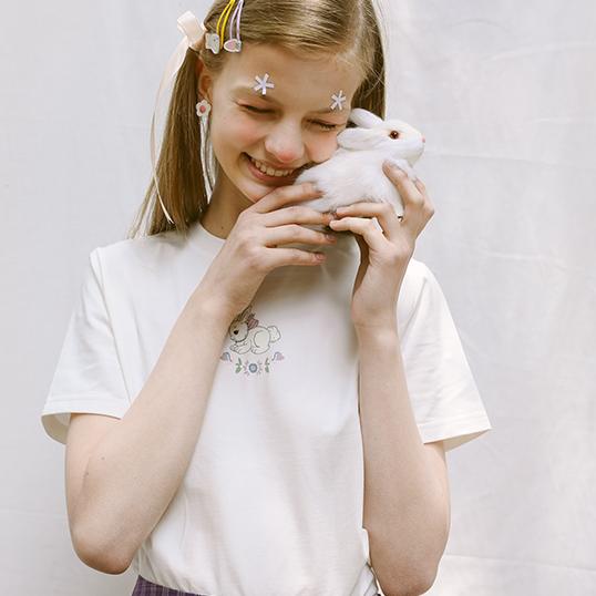 兔子系列女款米白色紧身T恤JTZF13