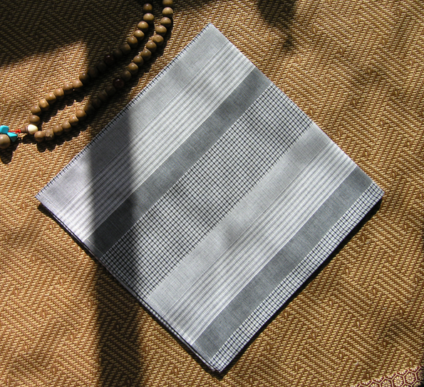 Japanese literature and art, gray stripe grid, double-layer pure cotton small square scarf head scarf, handkerchief hair band. Full package.