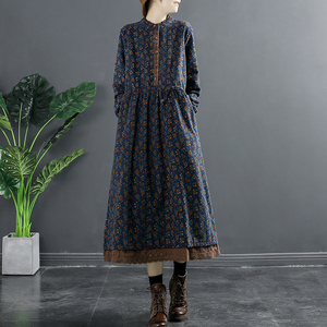 千秋飞燕复古显瘦碎花加绒连衣裙女2020秋冬季新款打底收腰长裙子