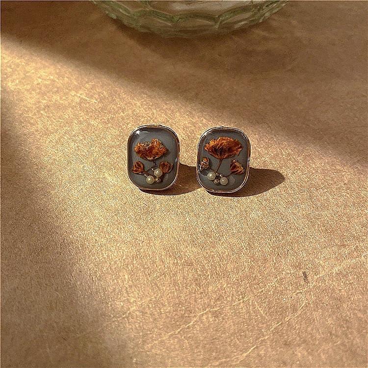 《梵高的花世界》复古宫廷琥珀珍珠花朵耳环女法式中古耳饰耳钉银