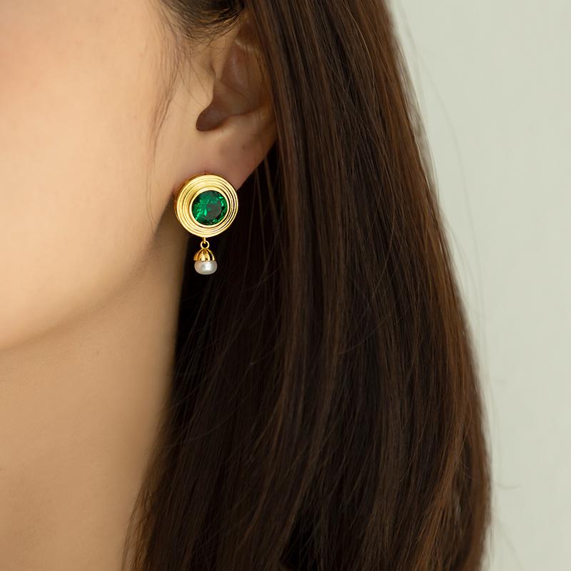 法式轻奢原创设计小众复古珍珠耳坠925纯银吊坠耳环绿宝石耳饰 女