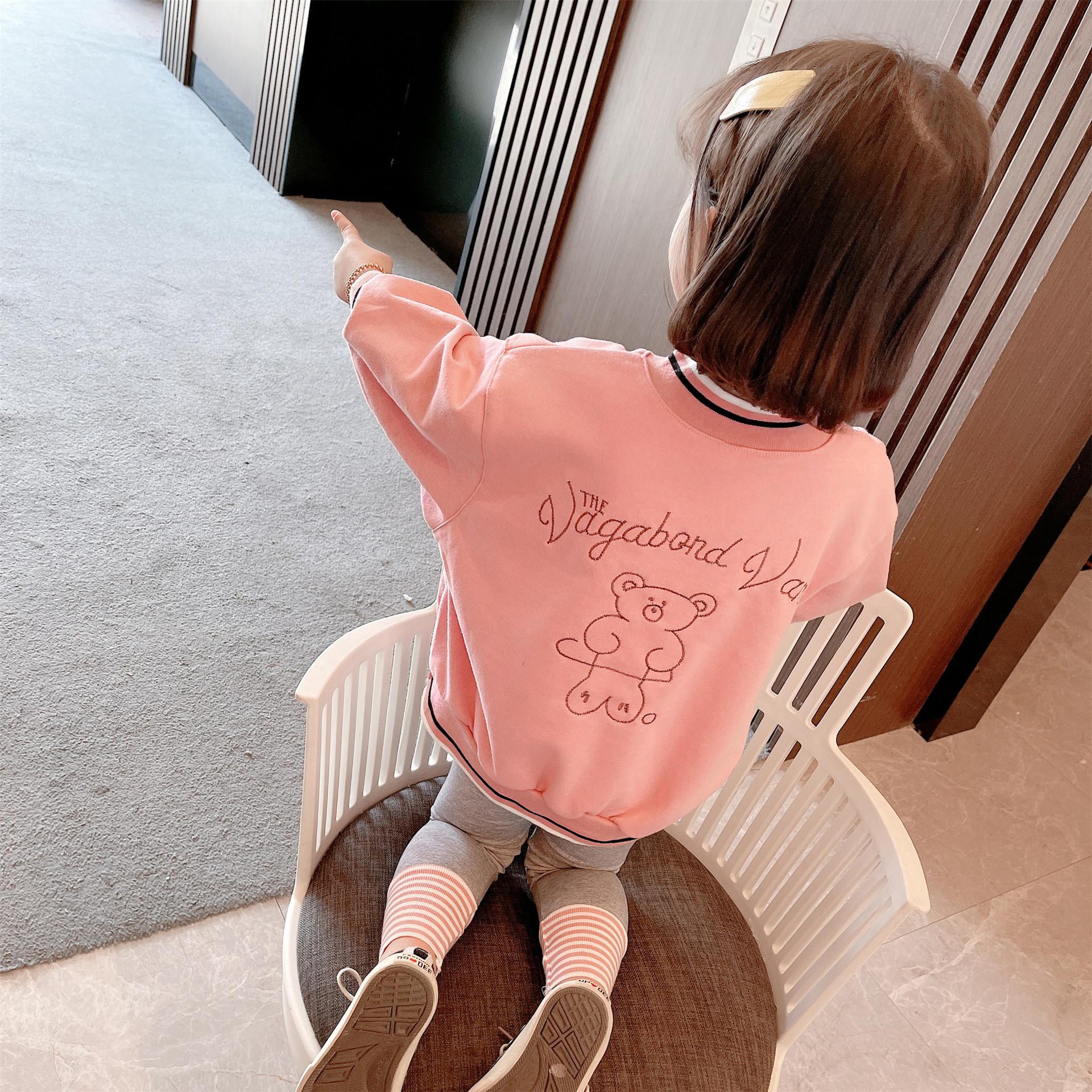 女童套装2021春款新品女宝宝卡通小熊绣花螺纹翻领针织长袖套装潮