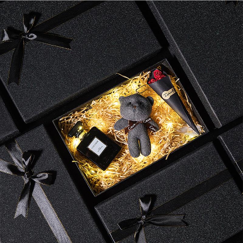 礼品盒子精美韩版创意大小号空盒网红抖音ins生日礼物衣服包装盒