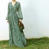 LISA YU墨绿印花V领超长连衣裙泡泡袖复古收腰显瘦碎花雪纺裙