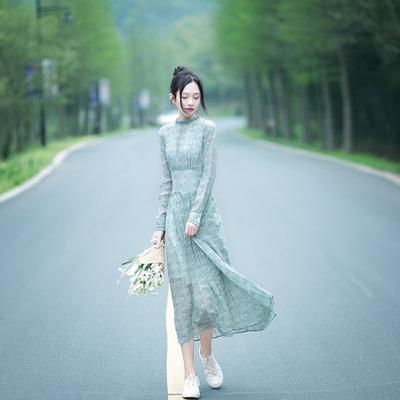 文艺复古清新小碎花修身雪纺长袖连衣裙中长款显瘦百褶仙女长裙秋