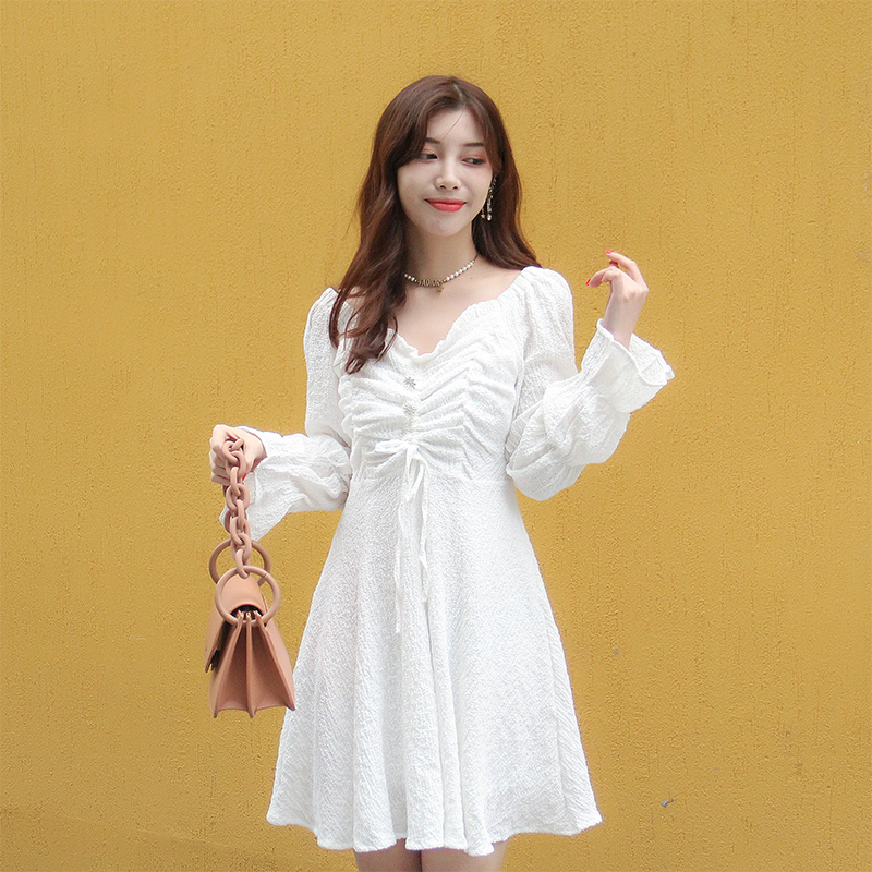 Nana family spring new 2021 new pleated trumpet sleeve solid color dress