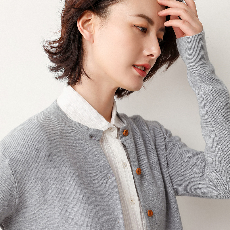 New spring knitted cardigan womens V-Neck Sweater slim fit sweater small fragrance casual bottomed Shirt Short Coat