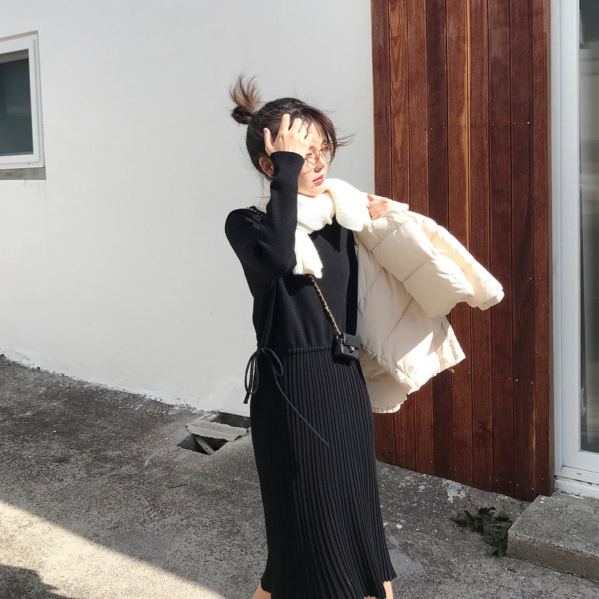 【现货】花栗鼠小姐 所有外套都配 百褶抽绳半高领打底针织连衣裙