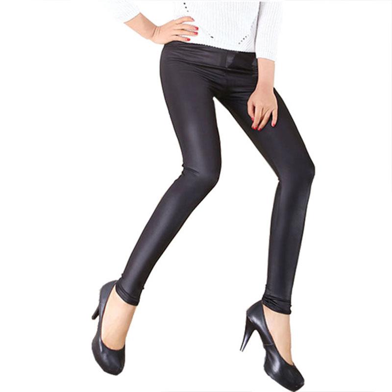 短皮裤适合什么时候穿:皮裤这些时候穿