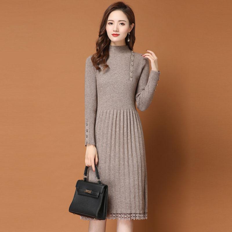 打底连衣裙女秋冬季长款过膝配大衣的2019加厚新款蕾丝针织毛衣裙图片