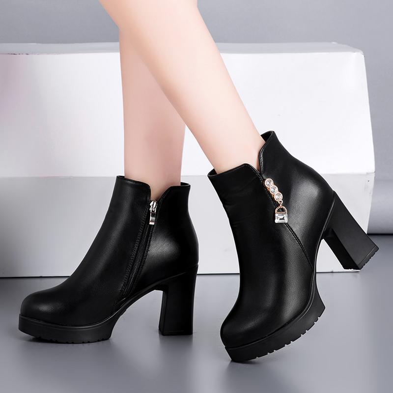 靴子瘦马皮靴高根靴新款女显2019粗根真皮英伦圆头粗高跟短秋冬