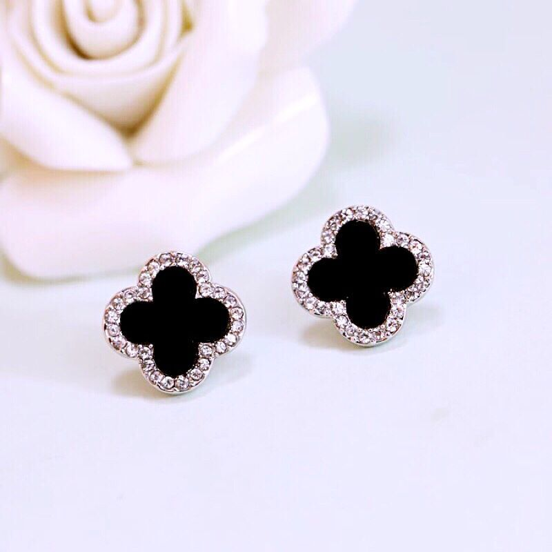 Clover Earrings female Korean simple pure silver anti allergy Rhinestone Rose Gold Black Earrings temperament versatile student