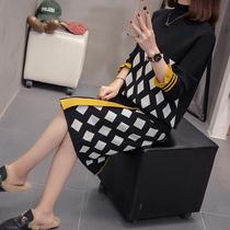 胖mm春装新款洋气减龄菱形格子套装女大码遮胯裙子显瘦针织连衣裙