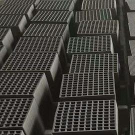 蜂窝活性炭方块方形特种蜂窝状碳砖块工业用废气处理专用活性炭图片